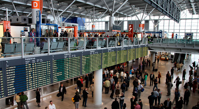 Warsaw Chopin Airport served 11,2 Million passengers in 2015